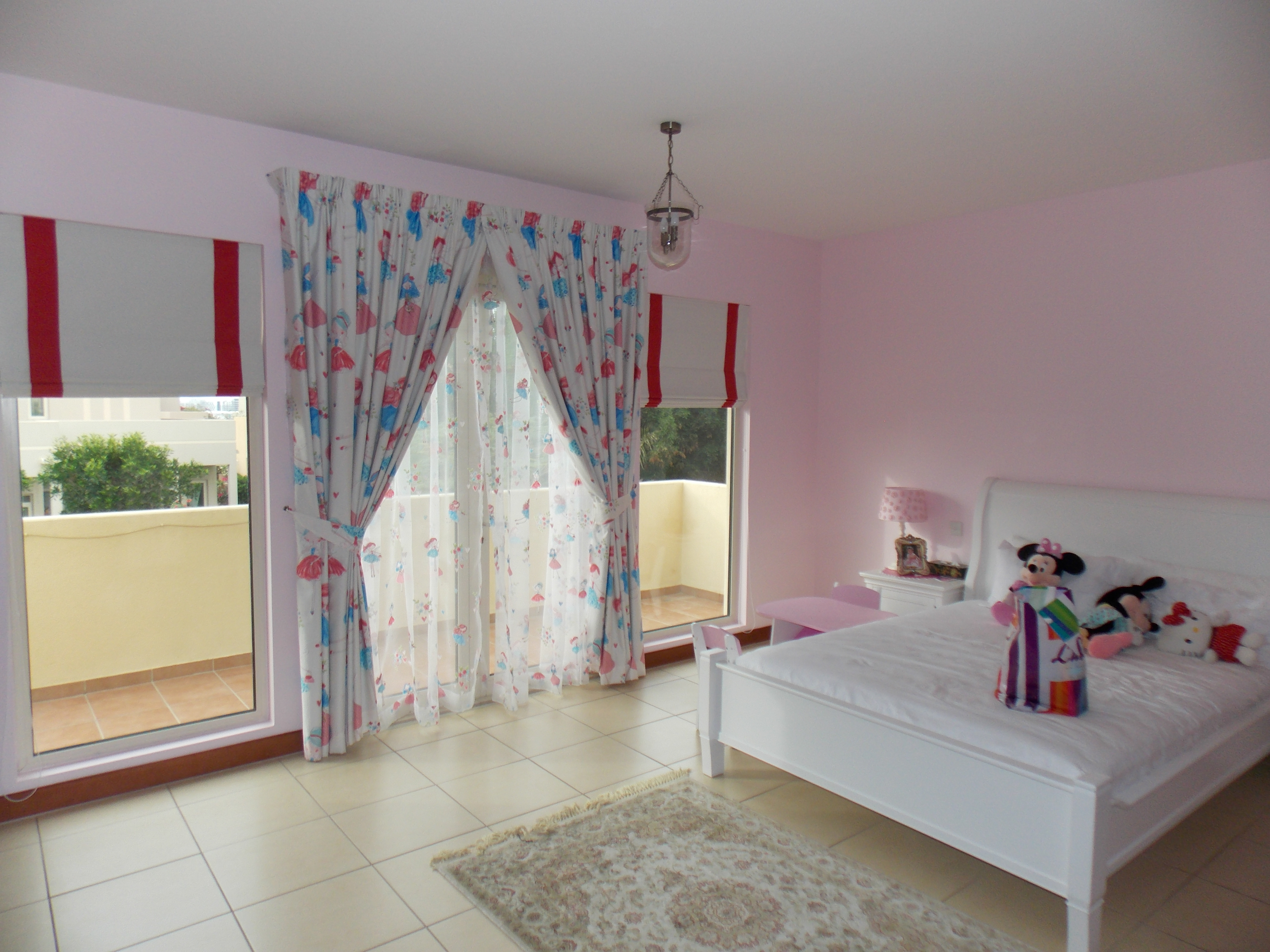 Curtain sheer and roman blinds of kids room in arabian - Roman shades for kids room ...
